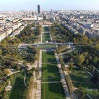 Почти глиссада! Париж. :: Виктор Никаноров