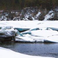 Замерзшая Катунь :: Наталья Дороднова