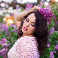 Девушка-сирень :: Ekaterina Maximenko