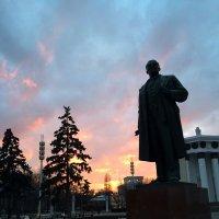 Революционный закат :: Евгений Белов