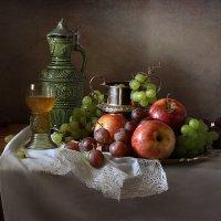 Традиционный  натюрморт в теплой гамме :: Татьяна Карачкова