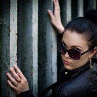***** :: Dina Ross