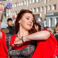 Цыганский танец :: Александр Неустроев