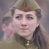 9 мая 2015 г. :: Лариса Красноперова