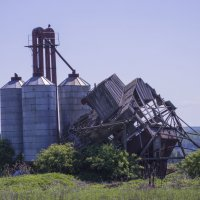 Зерносушилка.Увядающая сельскохозяйственная индустрия :: Дмитрий Стрельников