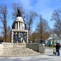 Памятник Свободе в Самарканде. Разрушен 5 июля 2009 года :: Денис Кораблёв