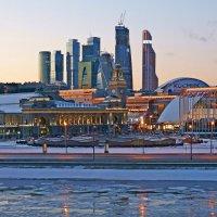 Киевский вокзал и Москва-Сити :: Alex