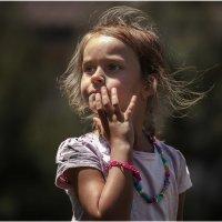 Просто девочка...понравился детский взгляд! :: Александр Вивчарик