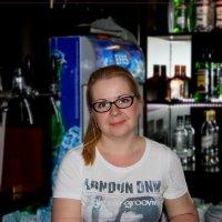 Вам пивка?... Водочки? ... А может вискарика? :: Anatol Livtsov