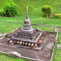 Макет одного из храмов Юго-Восточной Азии. :: Виктор Никаноров