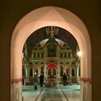 Внутри храма. :: Валентин Яруллин
