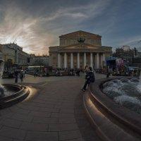 Он в любви признался ей возле этого фонтана :: Ирина Данилова