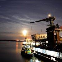 Ночь Луна и тишина :: Валерий Рыжов
