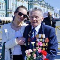 ЛЮБЛЮ Я ДЕДА! ОН КОВАЛ ПОБЕДУ! 9 мая 2015 г. С-Петербург. :: Виталий Половинко
