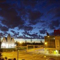 Луна за облаками :: galina bronnikova