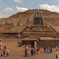 Пирамида Солнца :: Виктор Льготин