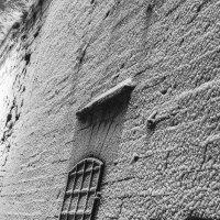Маленькая дверь в стене :: shvlad
