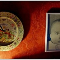 Часики тикают себе - так и подрастёшь, малыш! :: Григорий Кучушев