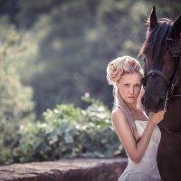 Невеста с конём :: Евгений Ланин