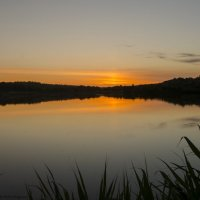 и отражается закат в тихой глади озера... :: Ксения Довгопол