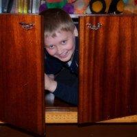 А вы в детстве разве не любили прятаться? :: Валентина Данилова