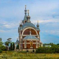 Храм в честь Архангела Михаила :: Elena Izotova