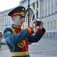 ФОТО НА ПАМЯТЬ ПОСЛЕ ПАРАДА. 9 мая 2015 г. С-Петербург. :: Виталий Половинко