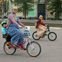 Северодвинск. Велопарад. Пора ехать домой :: Владимир Шибинский