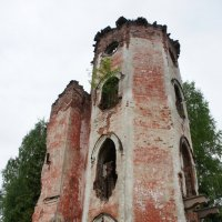 Башня замка Карла Притвица в Старом Гарклово :: Елена Павлова (Смолова)