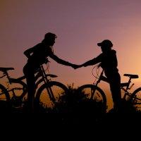 К закату на велосипедах. :: Анна Никонорова