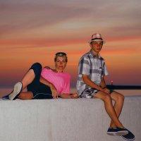 Вечер на набережной  у Олимпийского парка :: Дмитрий Редьков