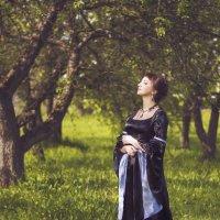 В саду... :: Оксана Львова