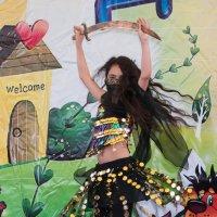 танец с саблей :: Дарья Наумова