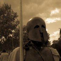 Спартанец в людском потоке.. :: Ozokan Головкин