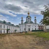 Углич. Двор Богоявленского монастыря. :: Михаил (Skipper A.M.)