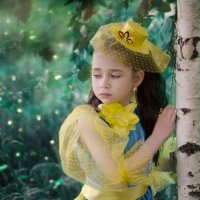 Желтая шапочка в лесу. :: Татьяна .............
