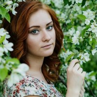 Анастасия и яблони :: Анастасия Маркова
