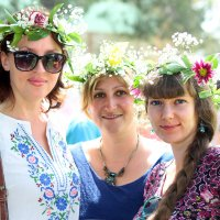 три девицы :: Ефим Журбин