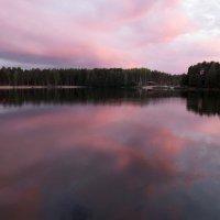 Выткался над озером алый цвет зари... :: Ната Волга
