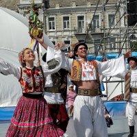 Гуцульский танец Фото№1 :: Владимир Бровко