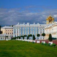 Вид на Екатерининский дворец :: Сергей
