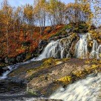 Водопад на реке Лавна. :: Владимир Плотников