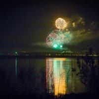 Праздничный фейерверк к дню города Комсомольска-на-Амуре 12 июня 2015 г. :: Сергей Щелкунов