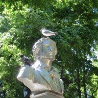 Пушкин и птицы... :: Владимир Павлов