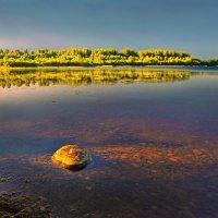 Озеро на закате :: Валерий Талашов