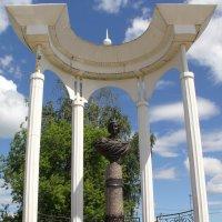 Елабуга. Памятник М.Цветаевой. :: Сергей Крюков