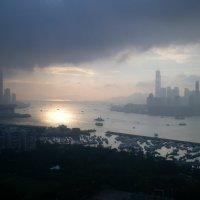 Гонконгский дождь :: Ольга Разумовская