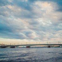 Питерское небо :: Михаил Кучеров