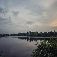 Восход солнца на реке :: Ирина Приходько