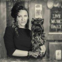 Дама с собачкой... :: Виталий Левшов